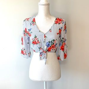 FOREVER21 Floral Flounce Sleeve Crop Top Size S
